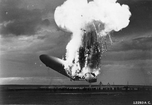 Hindenburg_disaster_(1)
